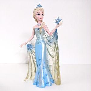Disney Showcase Couture de Force Elsa Figurine